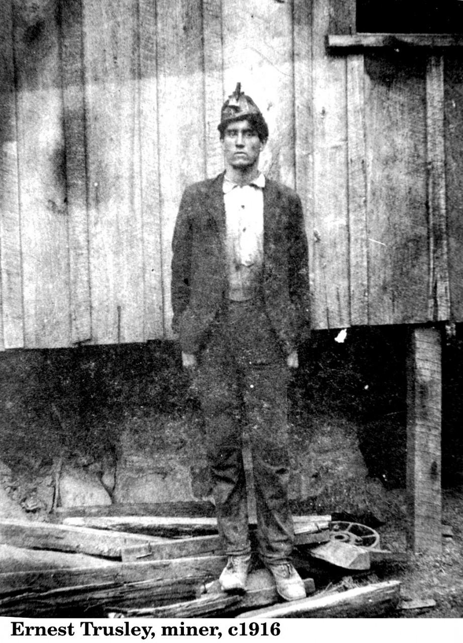 Dunlap Mines Coal miner_1