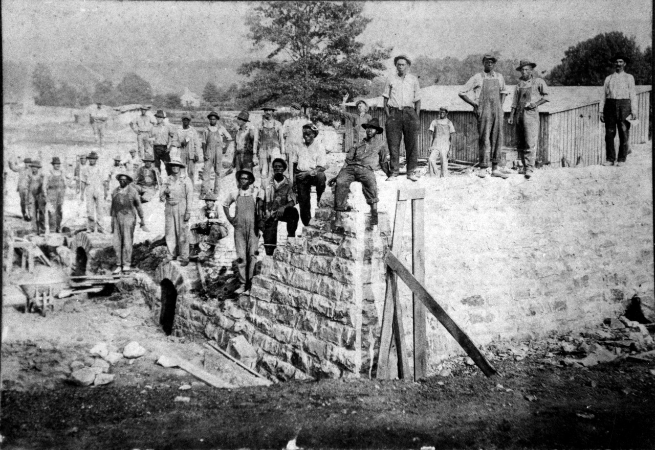 Dunlap Mines Coke Ovens under construction 1916 last ovens being built  by in background with hand up is charlie Clark he was the water boy133