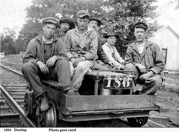 Men on speeder 1924
